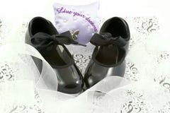 Zapatos y cintas de la danza Imagenes de archivo