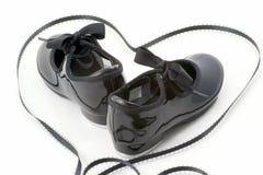 Zapatos y corazón de la danza de golpecito Foto de archivo libre de regalías