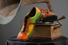 Zapatos y grammofon Foto de archivo libre de regalías