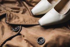 Zapatos y ropa del ` s de las mujeres Imágenes de archivo libres de regalías