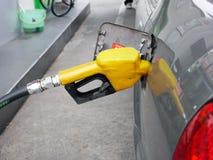 Zapfpistole in der Ölstation Thailand Lizenzfreies Stockfoto
