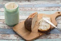 Zapiekła śmietanka na chlebie Zdjęcie Royalty Free