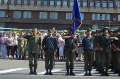 ZAPORIZHIA, de OEKRAÏNE 24 Augustus, 2016: Onafhankelijkheidsdag van de Oekraïne Militair maart van het leger van de Oekraïne stock foto's