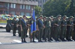 ZAPORIZHIA, de OEKRAÏNE 24 Augustus, 2016: Onafhankelijkheidsdag van de Oekraïne Militair maart van het leger van de Oekraïne royalty-vrije stock fotografie