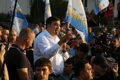 ZAPORIZHIA, UKRAINA †'Wrzesień 21, 2017: Mikheil Saakashvili polityczny spotkanie z ludźmi w kwadracie w centrum Zdjęcia Royalty Free