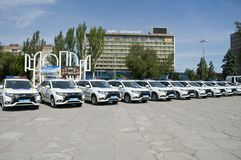 ZAPORIZHIA, UKRAINA Czerwiec 6, 2017: Mitsubishi samochody policyjni przy solenną ceremonią na kwadracie w ZAPORIZHIA, UKRAINA Zdjęcia Stock