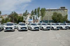 ZAPORIZHIA, UKRAINA Czerwiec 6, 2017: Mitsubishi samochody policyjni przy solenną ceremonią na kwadracie w ZAPORIZHIA, UKRAINA Zdjęcie Royalty Free