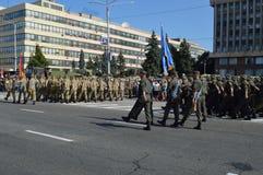 ZAPORIZHIA, UKRAINA Sierpień 24, 2016: Dzień Niepodległości Ukraina Militarny marsz Ukraina wojsko obraz royalty free