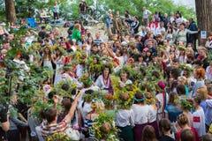 ZAPORIZHIA, UKRAINE-JUNE 21: Celebrating Kupala Night 21, 2014 i Royalty Free Stock Photos