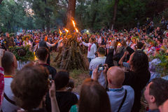 ZAPORIZHIA, UKRAINE-JUNE 21: Odświętności Kupala noc 21, 2014 i Fotografia Stock
