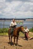 ZAPORIZHIA, UKRAINE-JUNE 21: Ukraińscy kozaczkowie 21, 2014 w Zapo obraz stock