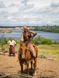 ZAPORIZHIA, UKRAINE-JUNE 21: Ukraińscy kozaczkowie 21, 2014 w Zapo Obrazy Royalty Free