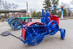 Zaporozhets är den första sovjetiska traktoren Zaporizhia fotografering för bildbyråer