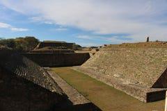 Zapotec Ballcourt chez Monte Alban Photos stock