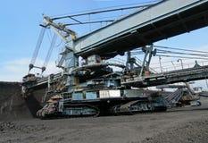 Zappatore del carbone nell'azione Fotografie Stock Libere da Diritti