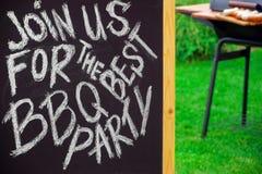 Zaproszenie grilla przyjęcie, Pisać na Blackboard Fotografia Stock