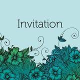 Zaproszenie karta z doodle kwiatami ilustracja wektor