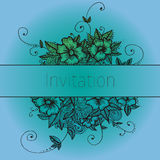 Zaproszenie karta z doodle kwiatami ilustracji