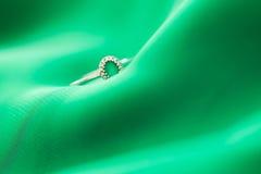 zaręczynowy mężczyzna pierścionku kostium Fotografia Royalty Free