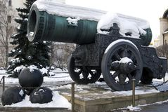 Zar-Kanonen-König Cannon in Moskau der Kreml im Winter lizenzfreie stockfotografie