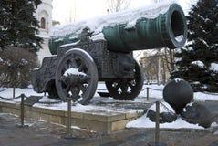 Zar-Kanonen-König Cannon in Moskau der Kreml im Winter lizenzfreie stockfotos