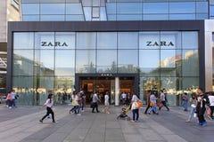 Zara lager i Peking, Kina Arkivbild