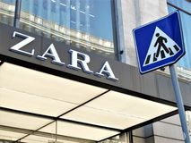 Zara Store In Rome images stock