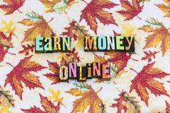 Zarabia pieniądze interneta online stronę internetową obrazy royalty free