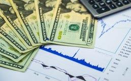 Zarabia pieniądze od rynku papierów wartościowych Fotografia Stock