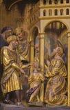 ZARAGOZA, ESPAÑA - 3 DE MARZO DE 2018: San Pablo ciego curado por Annanias - altar principal tallado en la iglesia Iglesia de San fotografía de archivo libre de regalías