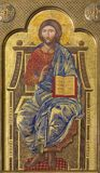 ZARAGOZA, ESPANHA - 1º DE MARÇO DE 2018: O ícone Jesus Christ o professor no altar principal na igreja Iglesia del Perpetuo Socor imagem de stock