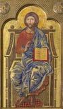 ZARAGOZA SPANIEN - MARS 1, 2018: Symbolen Jesus Christ läraren på det huvudsakliga altaret i kyrkliga Iglesia del Perpetuo Socorr Fotografering för Bildbyråer