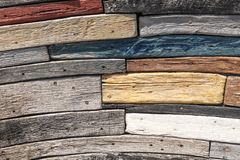 Zarautz Guipuzcoa, Hiszpania,/- dnia rok: projekt jest cisawego d?bowego drewna i akacji gruzami od ?odzi zbiera? w morzu i sw?j obrazy royalty free
