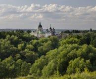 Zaraysk克里姆林宫在夏天 库存照片