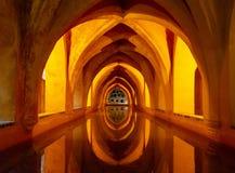 Zares de Sevilla, los baños del ¡de Reales Alcà de Maria de Padilla imágenes de archivo libres de regalías