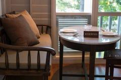zarezewowany restauraci znaka stół obraz stock