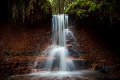 Zartapu-Wasserfall, Lettland lizenzfreie stockfotografie