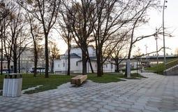 Zaryadye公园在晚上--在红场附近的都市公园位于莫斯科,俄罗斯 图库摄影