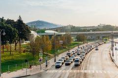 Zaryadye parkerar i morgonen, Moskva, Ryssland Arkivbilder