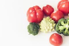 Zasadza zasadzonego surowego karmowego sezonowego warzywa t?o, weganin?w karmowi kulinarni sk?adniki, odg?rny widok fotografia royalty free