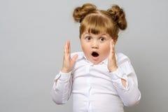 zaskakujący mały dziewczyna portret Obrazy Stock