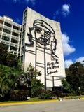 Zastanawiać się na ulicach Hawański - Che Guevara zdjęcie stock