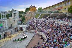 Zatłoczony antyczny amfiteatr Plovdiv, Bułgaria obraz royalty free