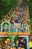 Zatłoczony schody przy Batu jamy świątynią zdjęcia stock