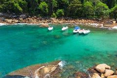 Zatoczka chowany plażowy Caxadaço, Ilha Grande, Brazylia zdjęcie stock