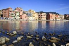 Zatoka cisza i łodzie, Sestri Levante, Genova, Liguria, Włochy zdjęcia stock