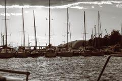 Zatoka Ja żeglowanie jachty, woda transport Zdjęcia Royalty Free