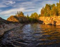 Zatoka Ladoga jezioro w wieczór świetle Karelia jungfrau obraz stock