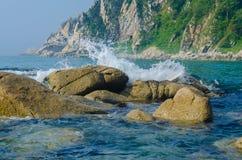 Zatoka Valentin w wszystkie swój chwale Skały, morze i piasek, Cudowny nastrój i gorący dzień Fotografia Stock