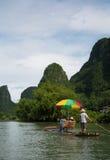 Zattera di bambù sul fiume del Li vicino a Yangshuo Fotografia Stock